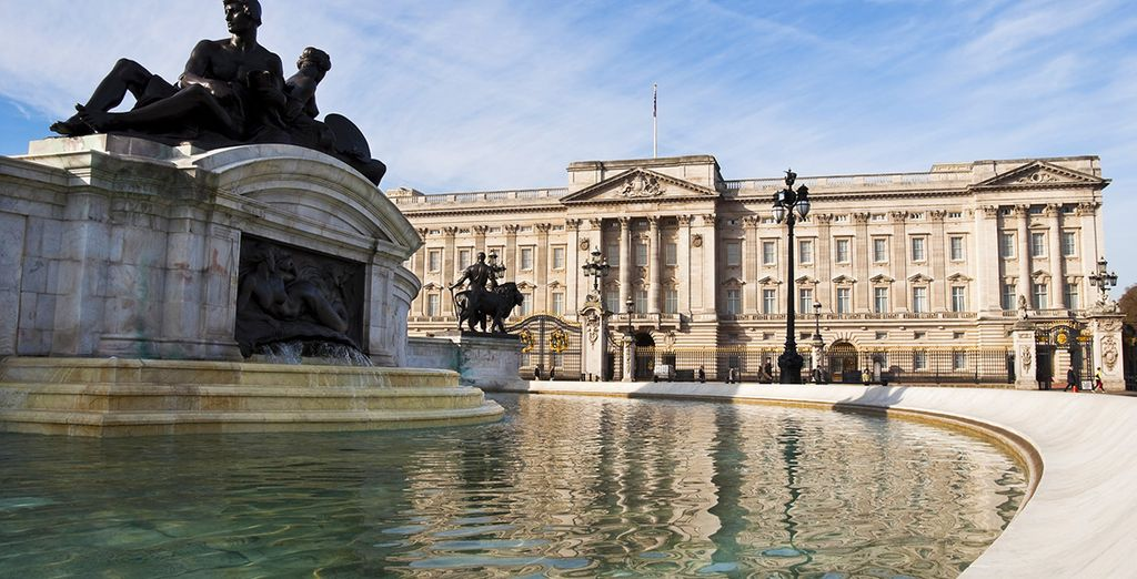 Our Travel Guide in London : Buckingham Palace