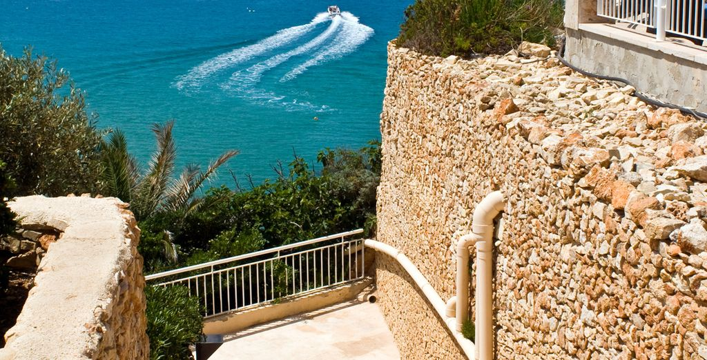 Has fabulous sea views