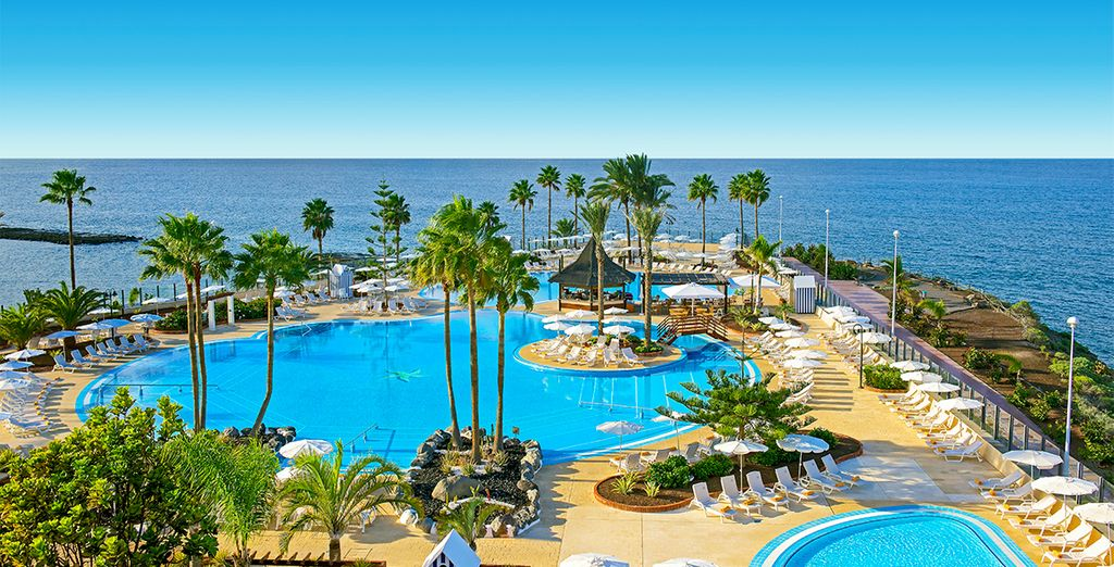 Experience a resort of fun and excitement - Iberostar Anthelia Palace 5* Tenerife