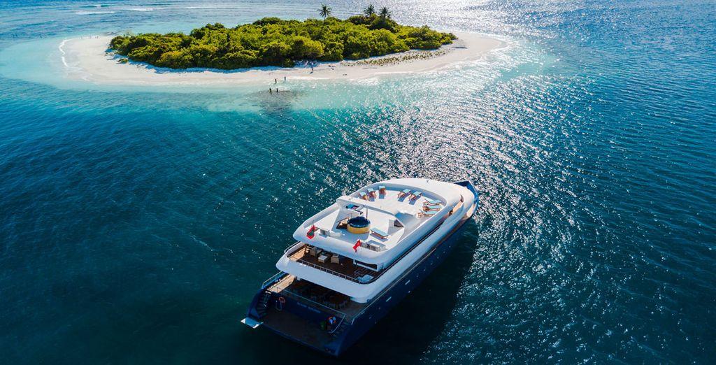Maldives Cruise - Cruise and Hotel around the Maldives