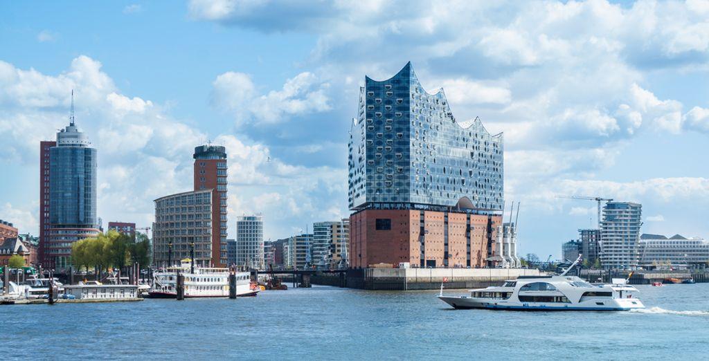 NH Hamburg Altona 4*