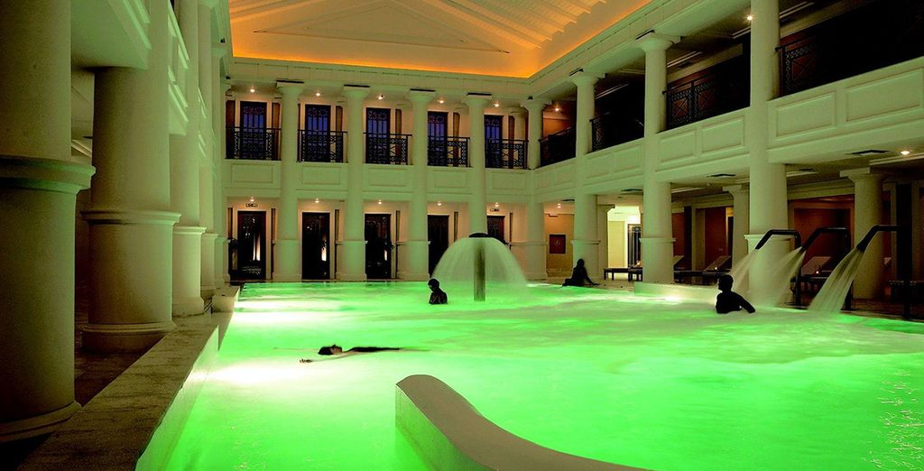Finish your day at the 4500sqm thalassotherapy centre