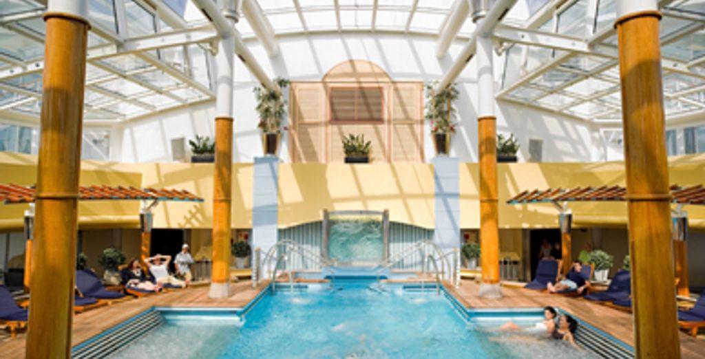 - Waikiki Resort & Alaska Cruise - Hawaii - Seattle - USA Waikiki