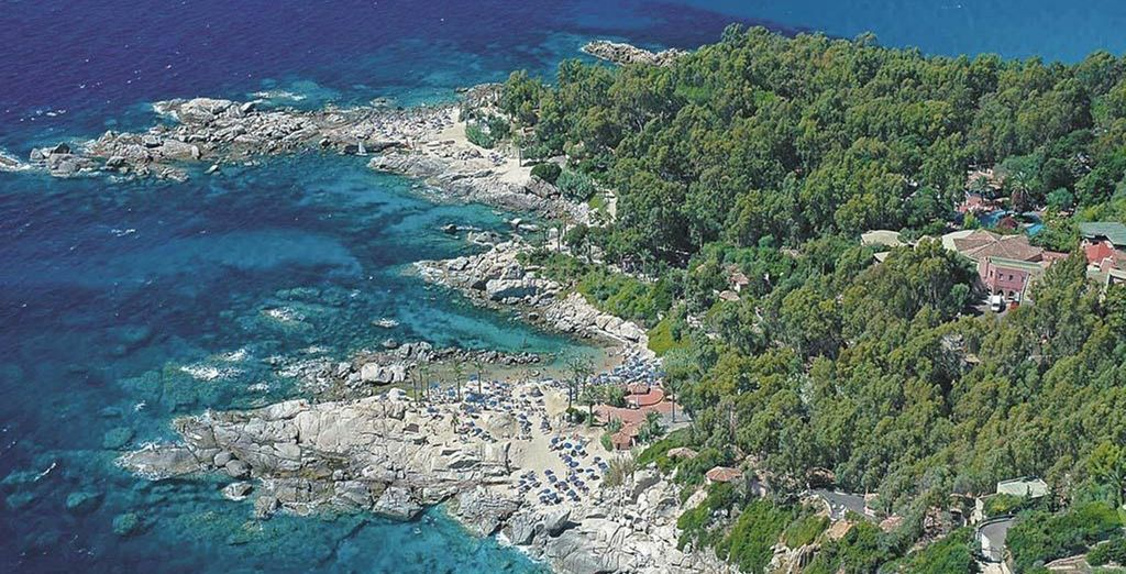 Ideally situated on magnificent beaches - for which the area is famed