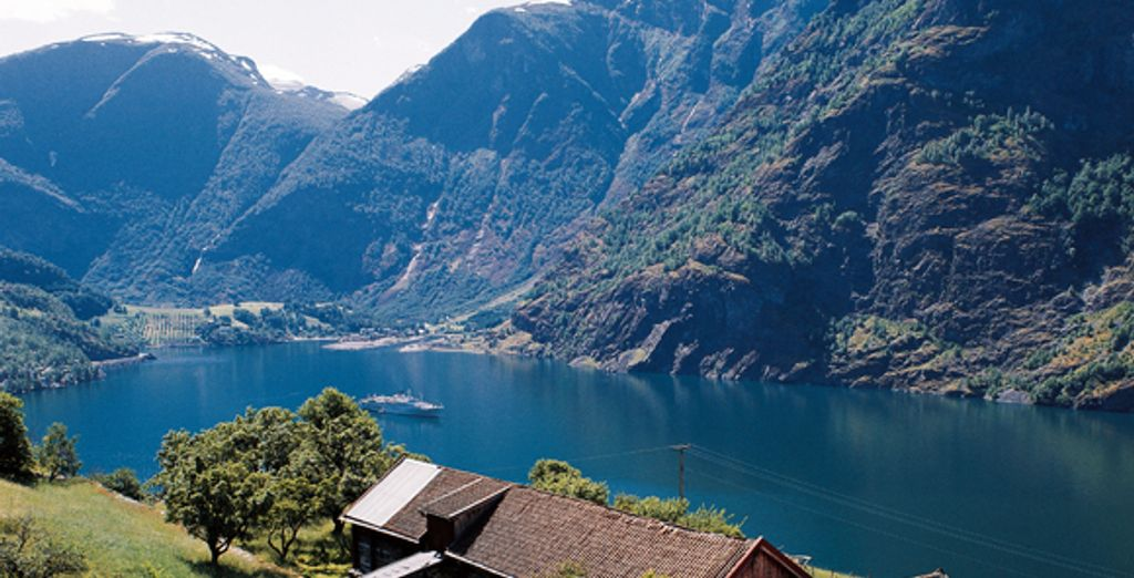 - Quality Edvard Grieg Hotel**** & Clarion Royal Christiana**** - Bergen & Oslo - Norway Various