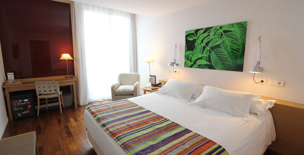 Your comfortable room looks out on Goya Street - named after the famous Spanish artist Francisco Goya!