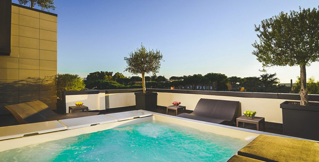 Book a session in the roof terrace hot tub  - Hotel Pulitzer Roma 4* Rome