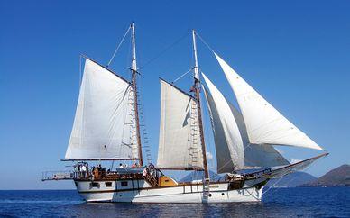 Croisière aux îles Eoliennes en voilier Sigismondo ou Combiné Croisière et hôtel 4* en Sicile