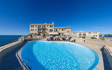 Hôtel Delos 4*