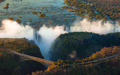 Cape Town, Victoria Falls & Chobe Safari