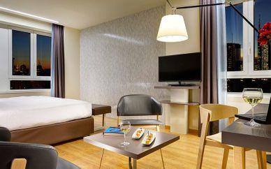 UNA Hotel Century 4*