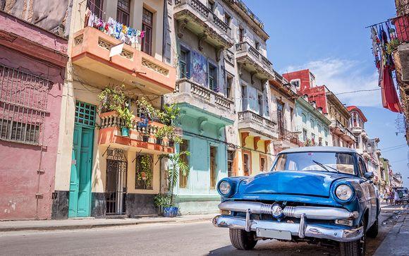 Panoramatour durch Havanna inklusive Oldtimerfahrt (45 Minuten)