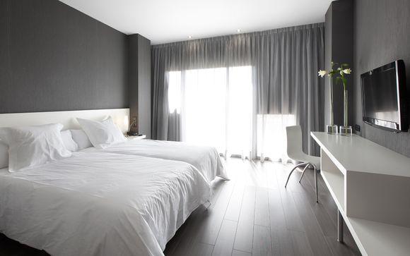 Huesca Hotel MasMonzon 4*