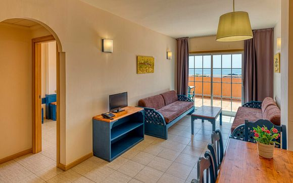 Suites Puerto Marina Aquapark Hotel 4*