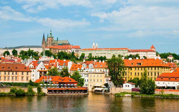 Crucero por el río Vlatava en Praga