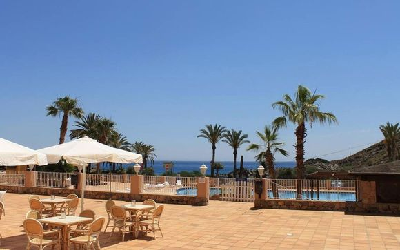 Mojáca  Suite Hotel Puerto Marina 4*