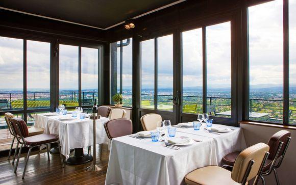 L'Ermitage Hotel Cuisine- A- Manger 4*