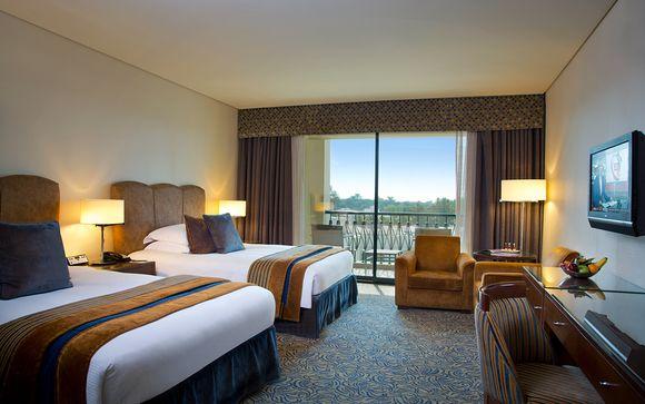 Hotel Al Ain Rotana 5*