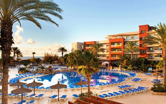 Elba Carlota Beach & Convention Resort 4*