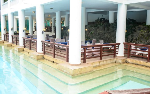 Flamingo Beach Resort & Spa 4*