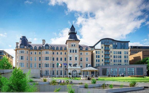 Hotel histórico con vistas a la bahía de Dublín