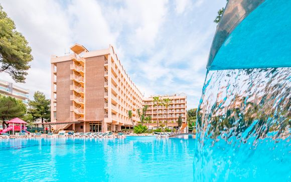 Golden Avenida Suites 4*