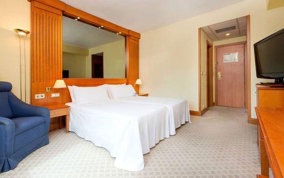 Hotel TRYP Barcelona Apolo 4*