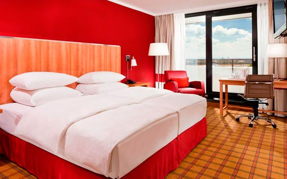 Hotel Four Points by Sheraton München Central 4*