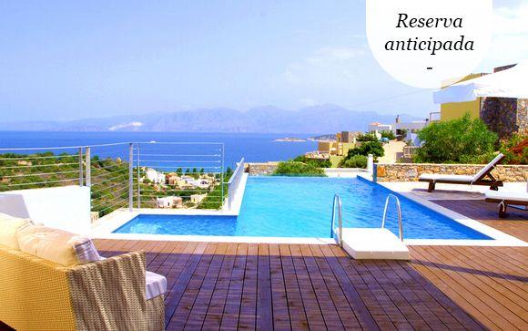 A partir de abril: vacaciones perfectas en villa con piscina