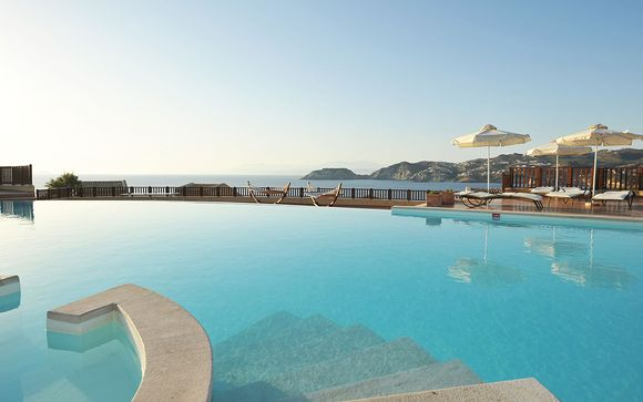 Sea Side Resort & Spa 5*