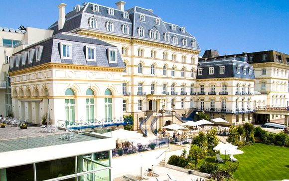 Poussez les portes de l'Hôtel de France 4*
