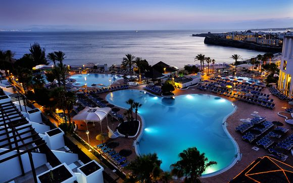 Sandos Papagayo Beach Resort & Spa 4*