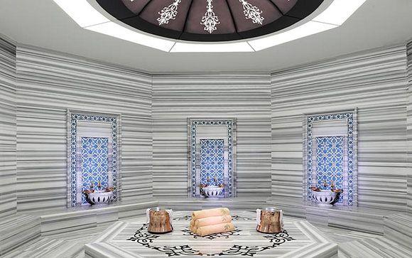 Poussez les portes du Cratos Premium Hotel & Casino 5*