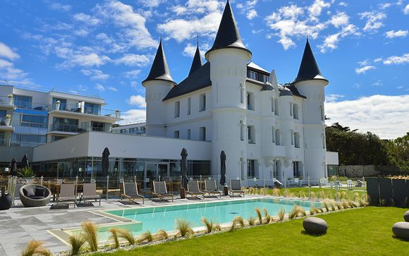 Relais Thalasso Baie De La Baule   Château Des Tourelles 4*
