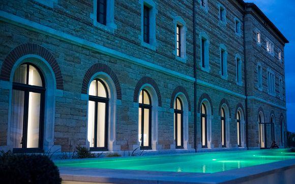 Accordez-vous un instant de bien-être en vous délassant dans le couloir de nage chauffé...