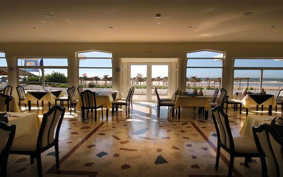 Poussez les portes de l'hôtel Royal Decameron Tafoukt Beach Resort Agadir 4* à Agadir 4* :
