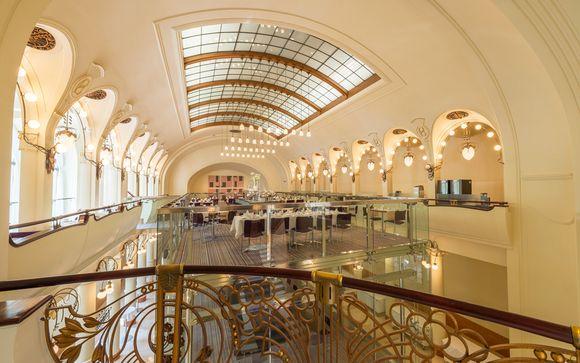 Cadre architectural dans la ville d'or