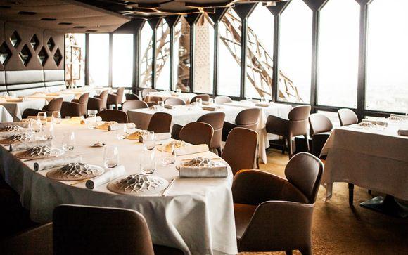 restaurant le jules verne 1 par alain ducasse voyage priv jusqu 39 70. Black Bedroom Furniture Sets. Home Design Ideas
