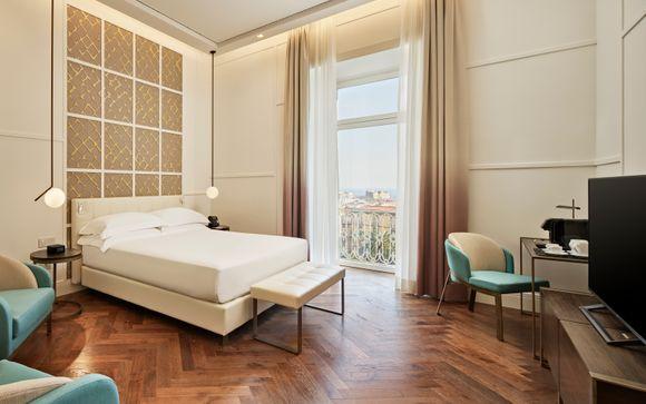Britannique Hotel Naples Curio Collection by Hilton