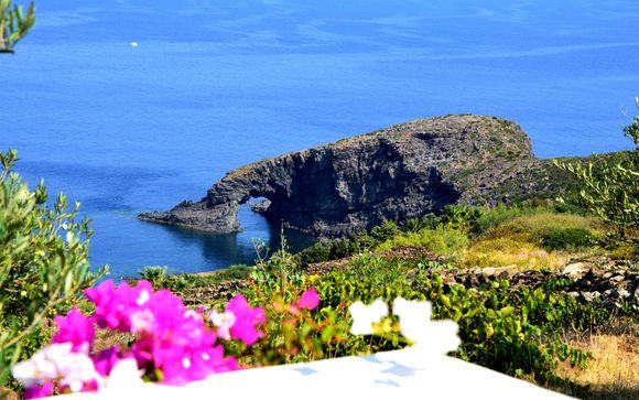 Alla scoperta di Pantelleria in tipici dammusi con escursioni