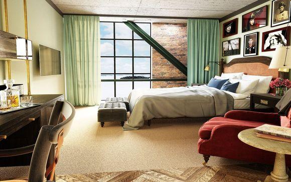 Lo Steam Hotel
