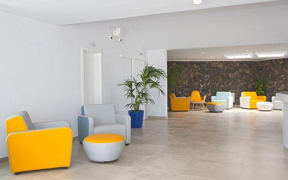 Aqua Suites Boutique Hotel 4*