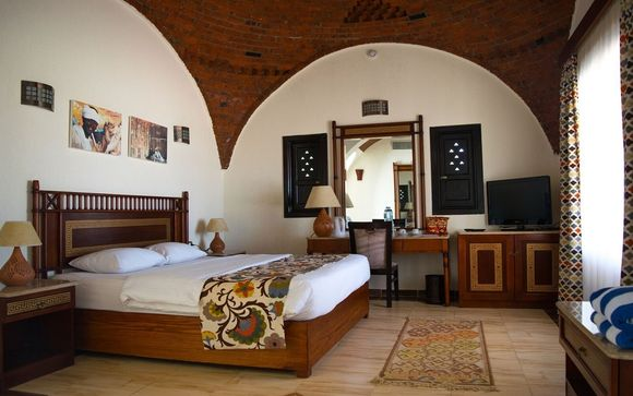 L'Aurora Beach Safari Hotel 4*