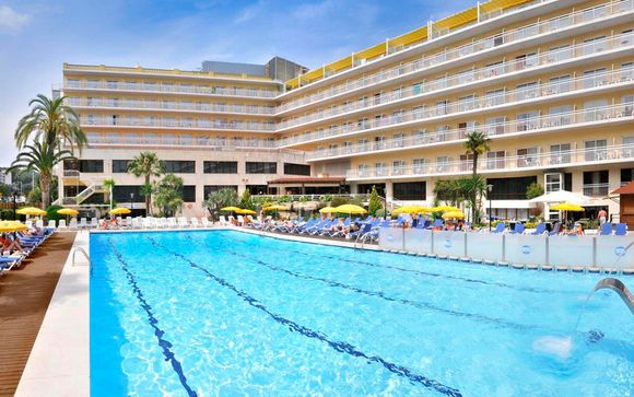 Hotel Oasis Park & Spa 4*