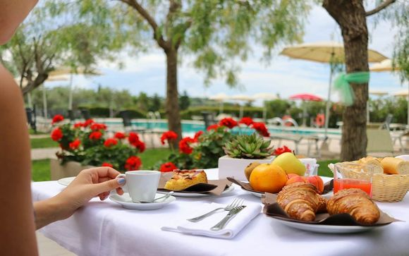 Il Castellaro Golf Resort Hotel 4*