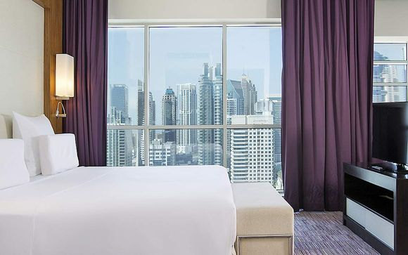 Pullman Dubai Jumeirah Lake Towers Hotel and Residence 5*