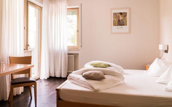 Flora Hotel & Suite