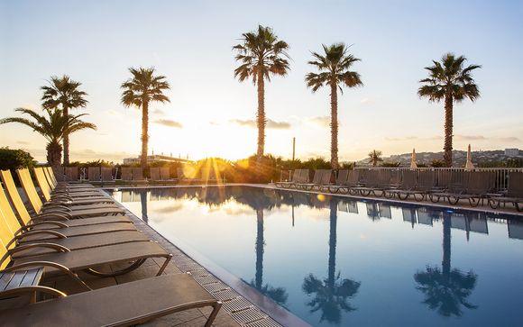 Moderno 4* con spa e vista sul Mediterraneo