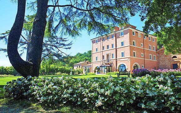 Eleganza in Villa 5* con parco privato a pochi passi dal mare