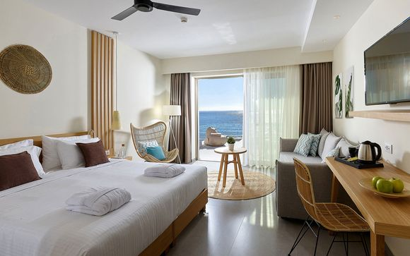 L'Enorme Santanna Beach Hotel 4*